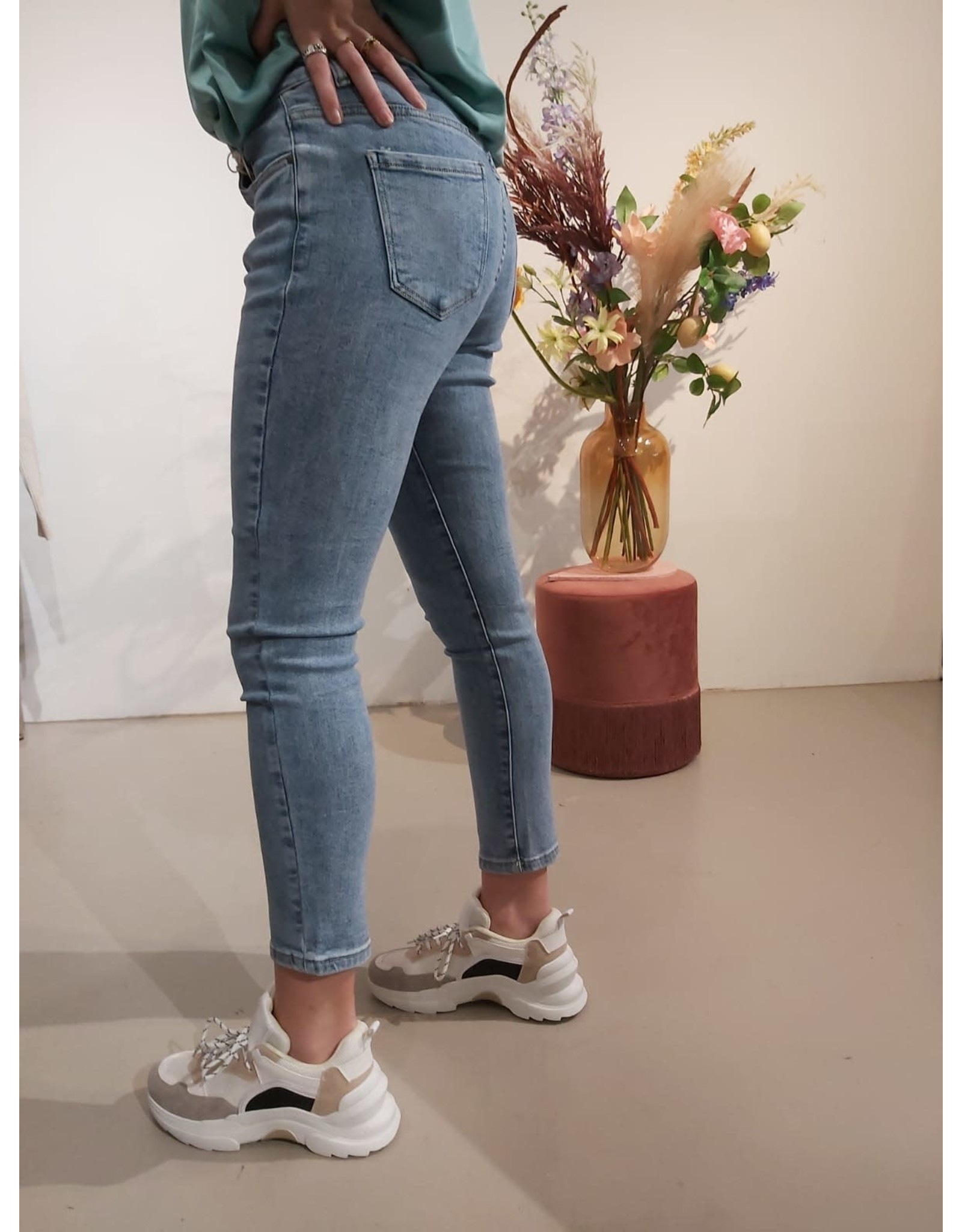 Nina Carter Boyfriend Jeans