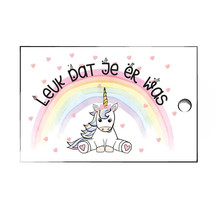 Verjaardagslabels met een eenhoorn en een mooie regenboog