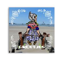 Zeeuwse Ansichtkaart Zeeuws meisjes op een hek Tekst: Groetjes