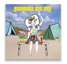 Een Zeeuwse ansichtkaart met een Zeeuws meisje op de camping