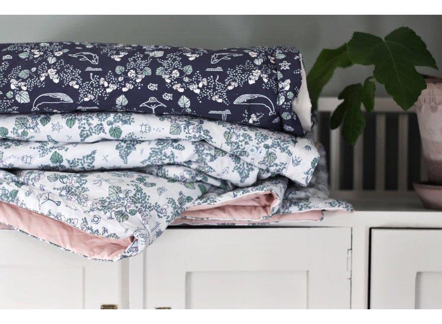 Filled Blanket Mares Light