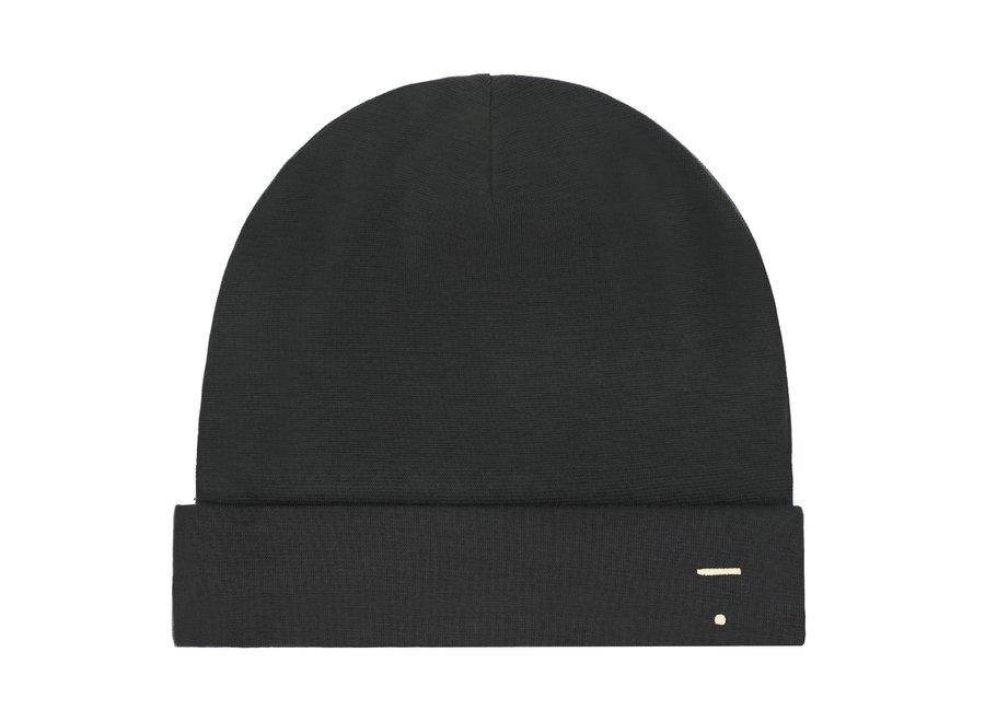 Bonnet Nearly Black
