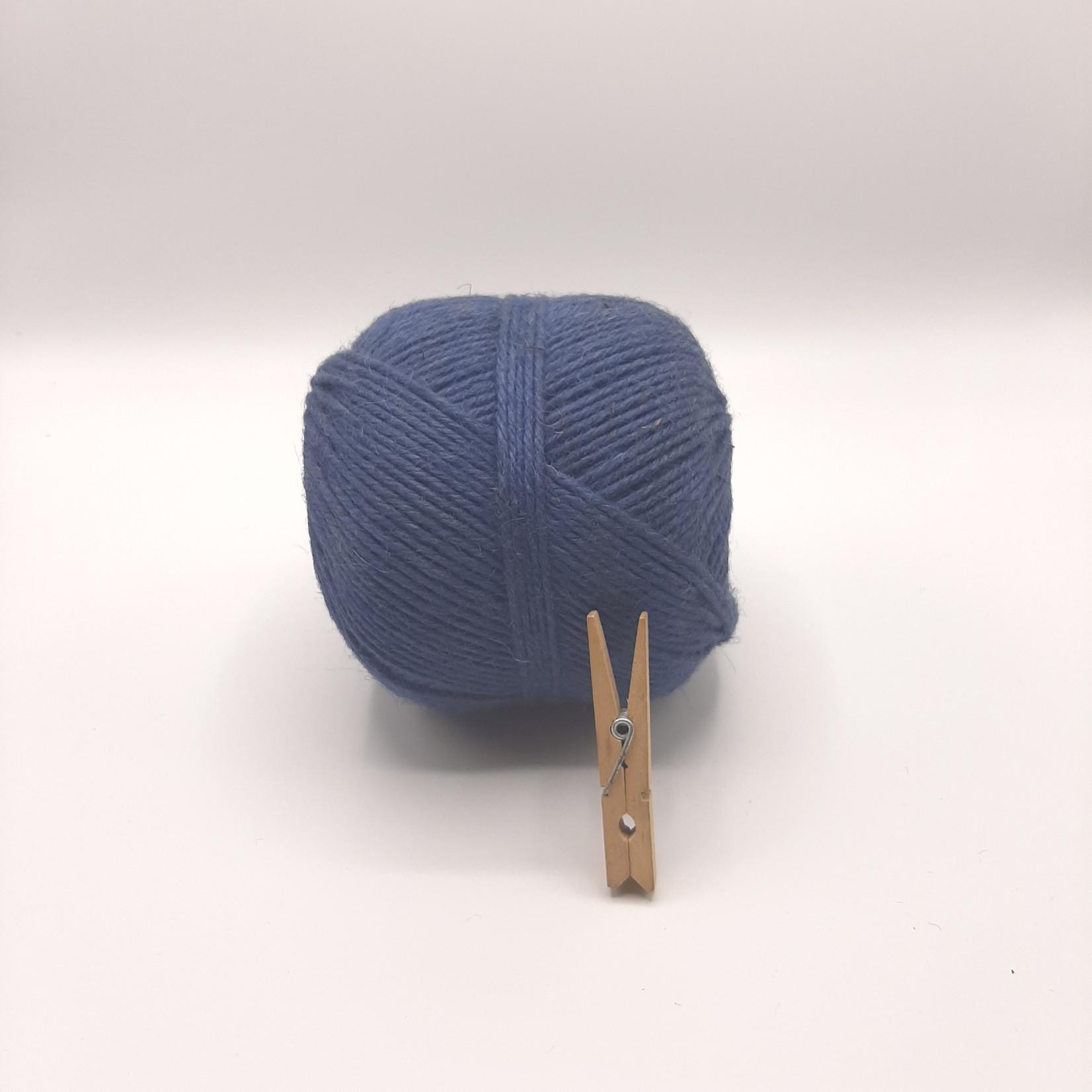 HollandWool Jute touw 500 gr. = 200 m. - kleur blauw  - 2.5 mm. dik