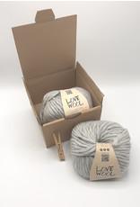 Katia Katia - Love Wool - 105 - Parelmoer-lichtgrijs - bundel 2 bollen x 100 gr.