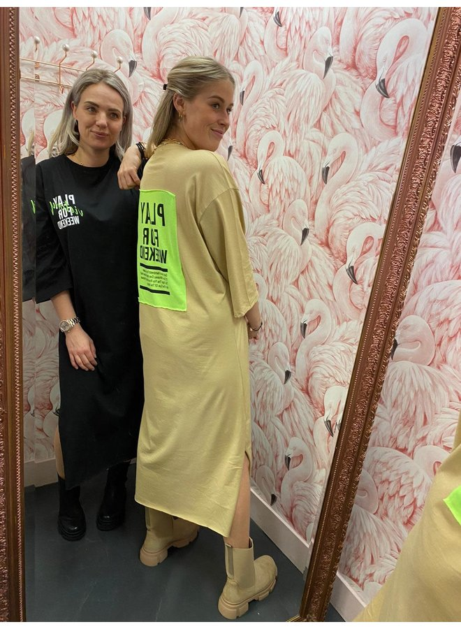 T-SHIRT DRESS PLAY