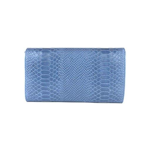 Jeansblauwe clutch van leer met slangenreliëf