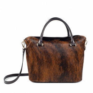 Zwarte  handtas met bruine vacht