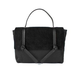 Zwarte tas geknoopt