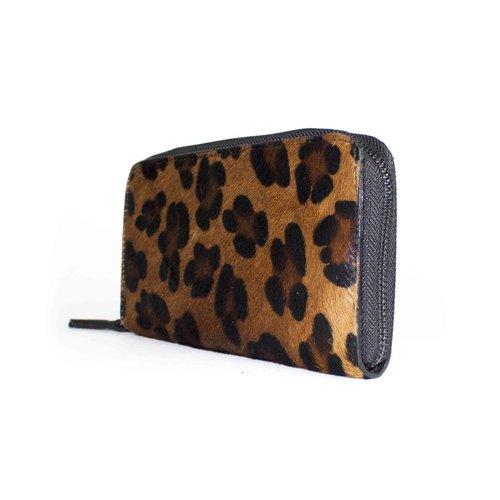 Leren portemonnee van bruine vacht met luipaard motief