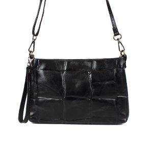Zwart schoudertasje met blokreliëf