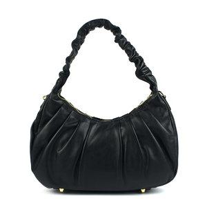 Geplooide zwarte tas