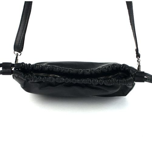 Zwart leren schoudertasje gerimpeld