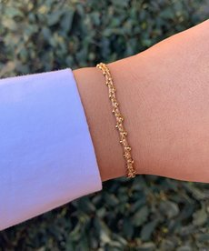 Meet Coco Mira Coral Gold Armband