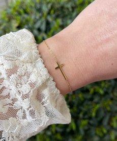 Zag Bijoux Armband Goud Kruis