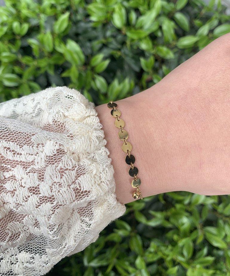 Zag Bijoux Zag Bijoux Armband Goud - Acht Muntjes