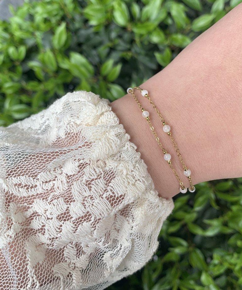 Zag Bijoux Zag Bijoux Armband Goud - White Beads Dubble