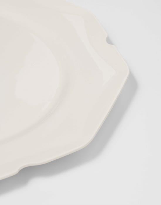 Sculpture serviesgoed / Off-white