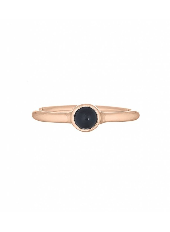 Ring goud black stone M/17 mm