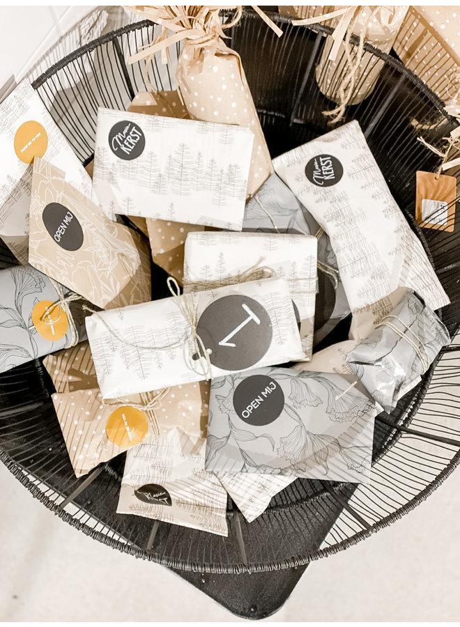 Cadeauverpakking --- Papier