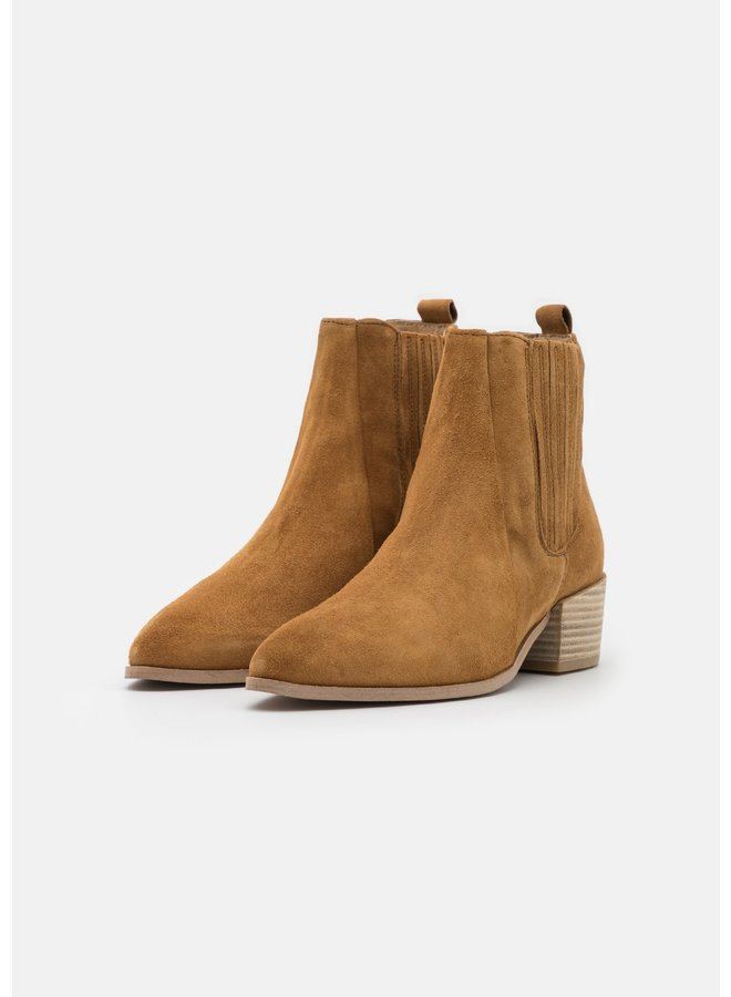 Boot Tan Suede