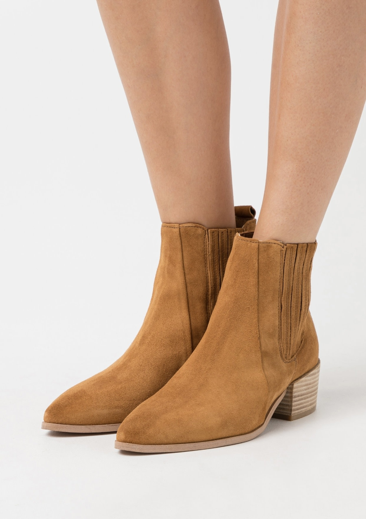 Boot Tan Suede-5