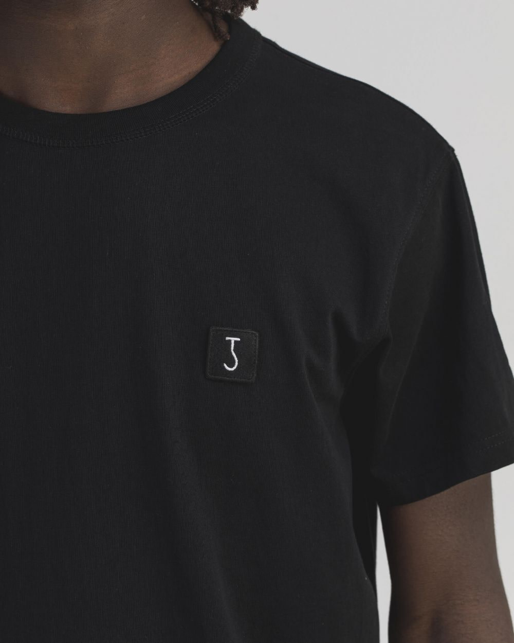 Army Tee s/s off black-2