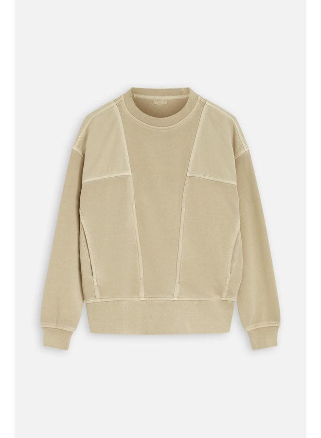 Sweater sand