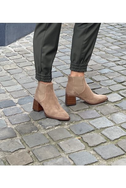 Serena boot taupe suede