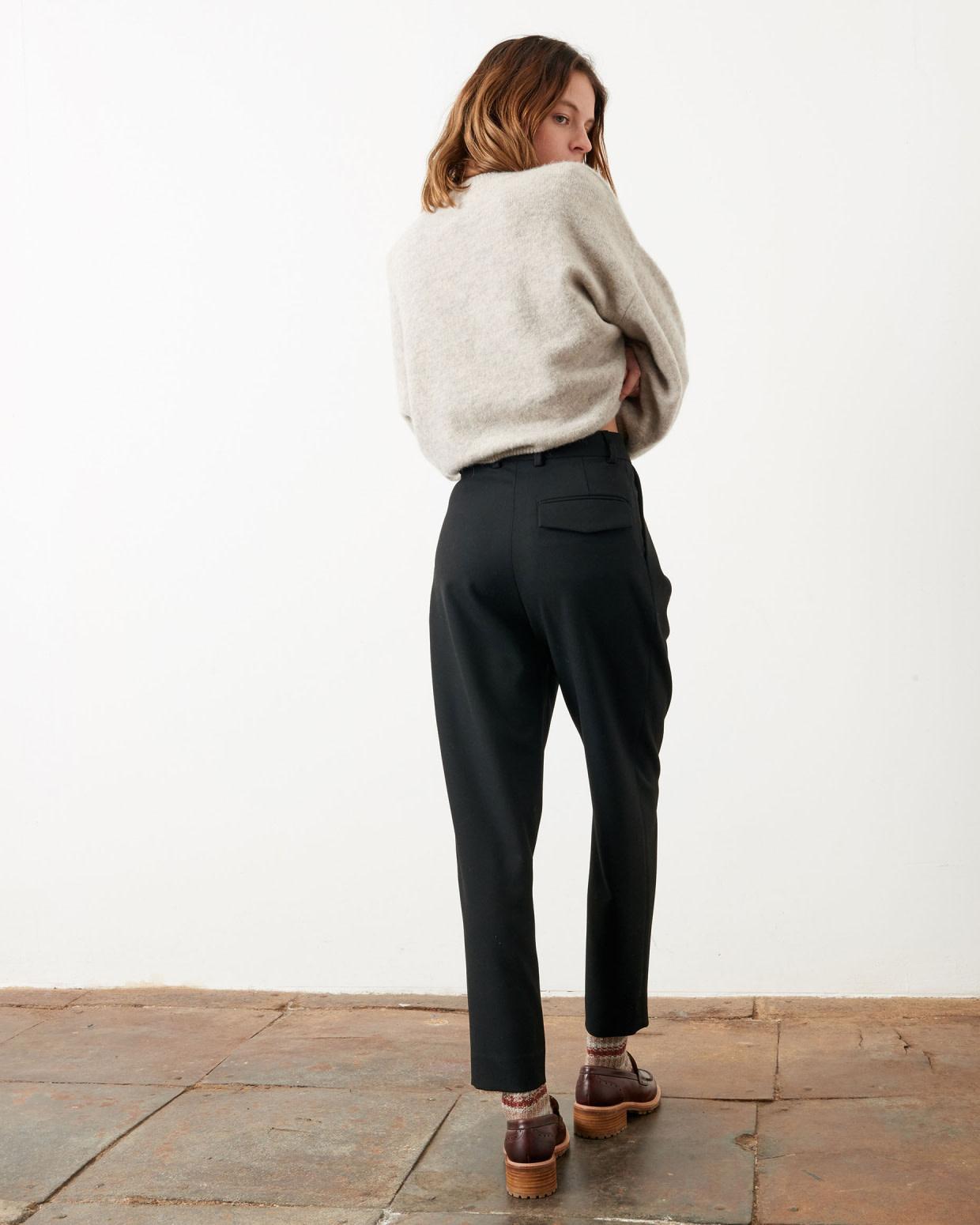hondje black pants-3