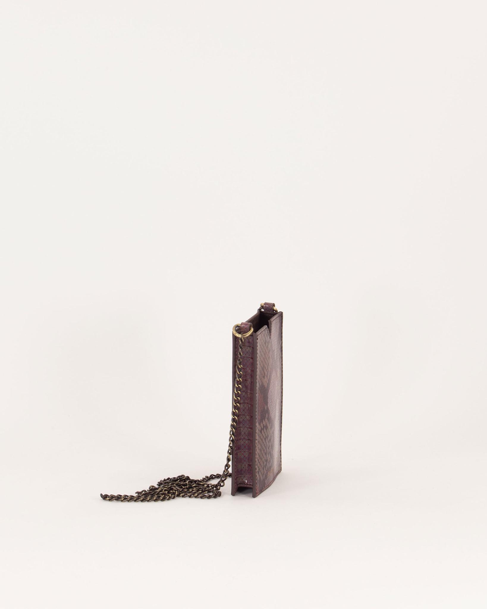 ama pyth phone bag-3