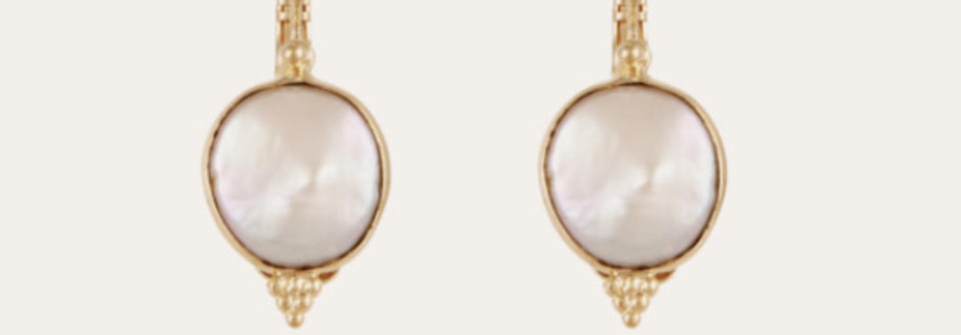 serti earring pearl