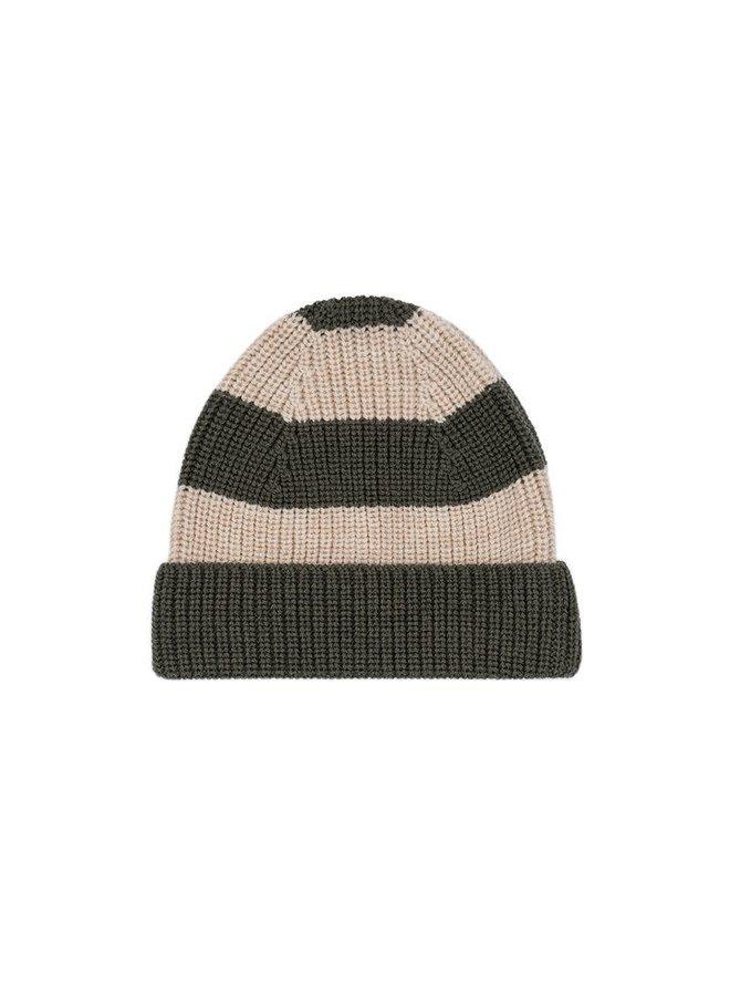 Witum knit beanie - Dark olive/ Creamy white