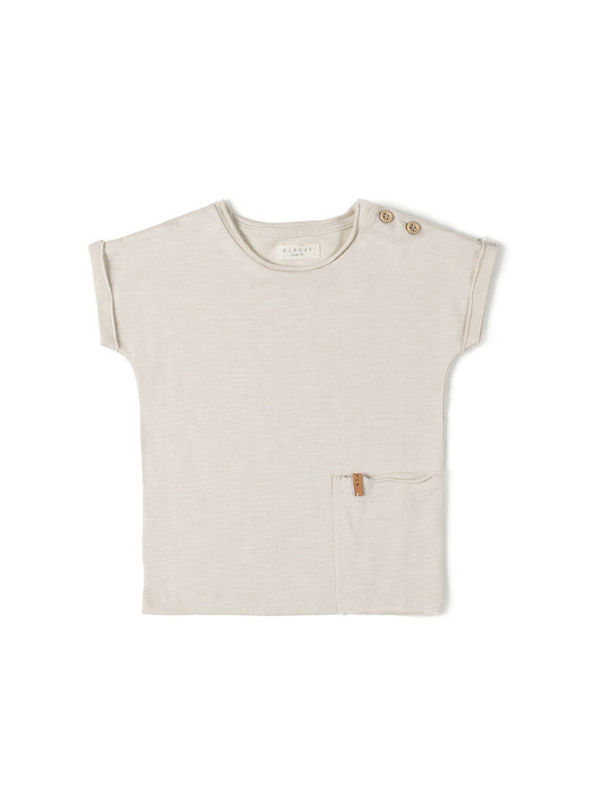 T-shirt dust
