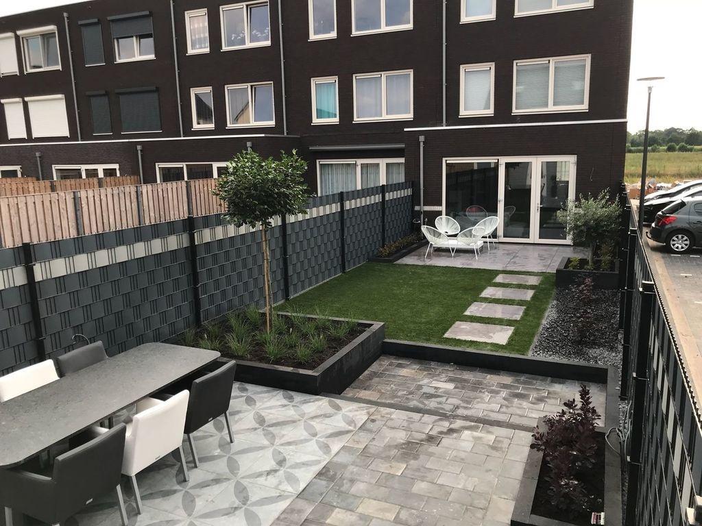 Vlechtband magazijn Gipea voor het snel en eenvoudig dichtmaken van je poort en hekwerk, zodat u direct van uw privacy en uw tuin kunt genieten!