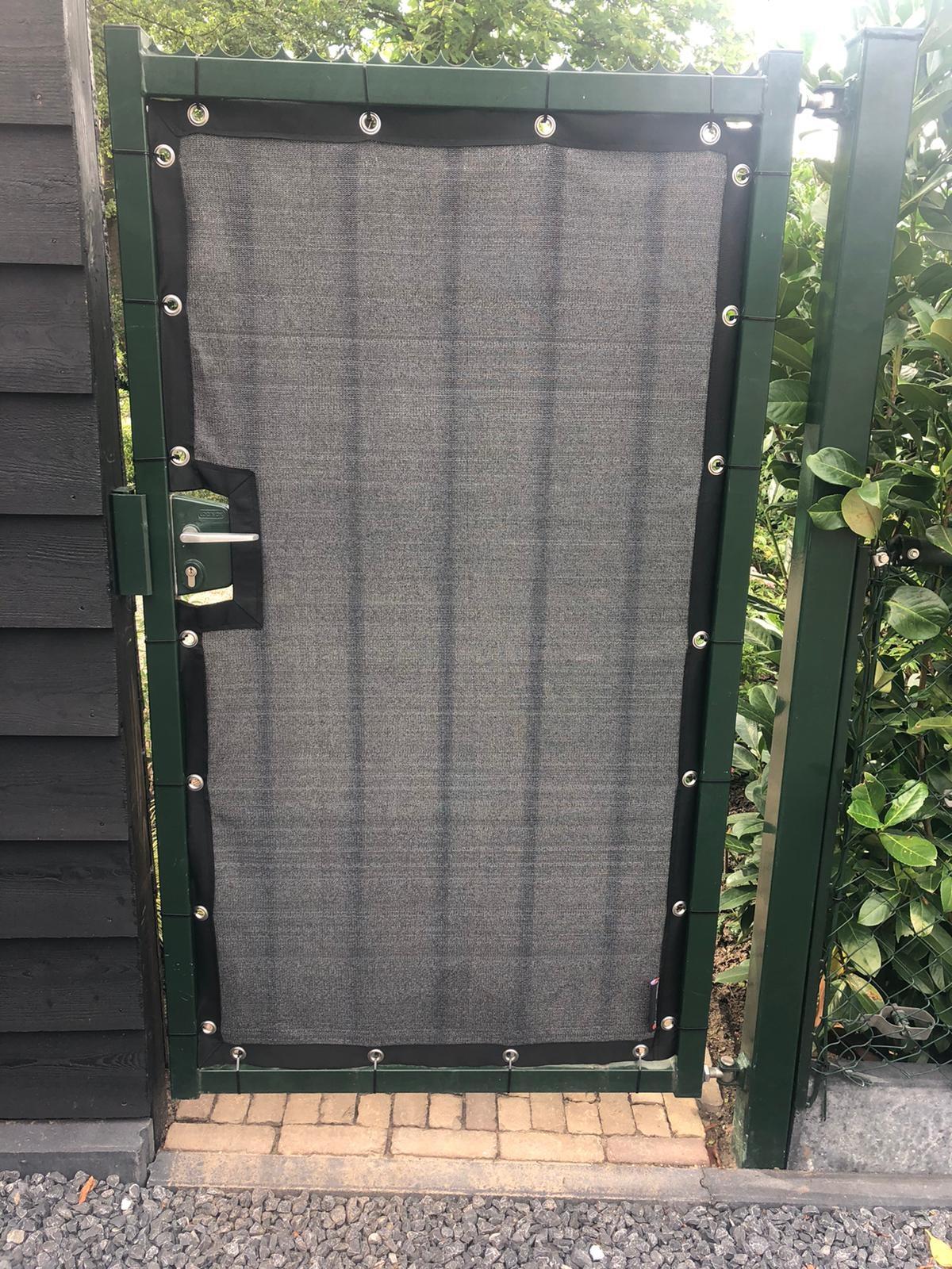 Gipea Maatwerk voor uw poorten en balkons CARBON BLACK