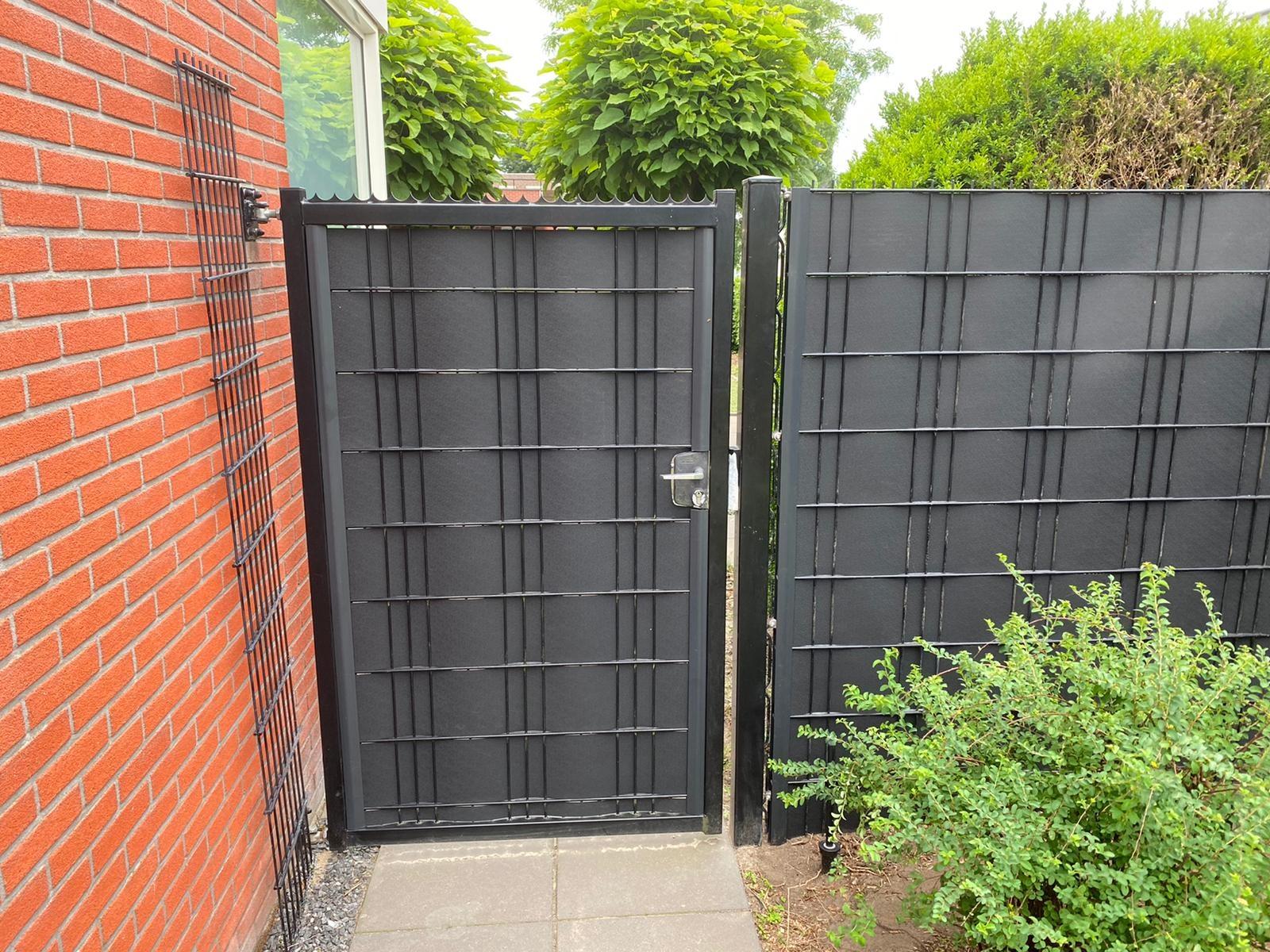 Gipea Easy To Fix Optimal Visibility Protection For Gate & Fence 9  banen ekoband van 85 cm tot 105 cm + Master Fix Afwerk Profielen