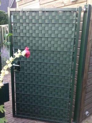 Gipea Easy To Fix Optimal Visibility Protection For Gate & Fence Gipea Ekoband 4.7 cm op rol van 50 m voor poorten en hekwerken met mazen van 4.7cm