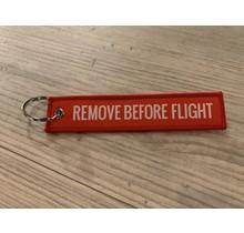 Sleutelhanger Remove before flight rood