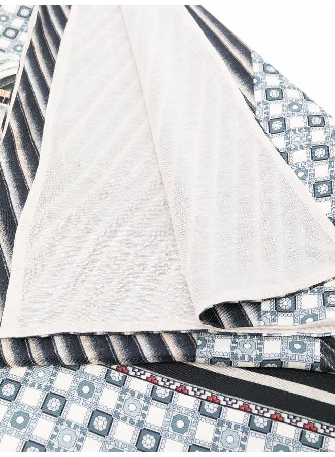 """Étole en soie et cachemire imprimée """"Grey Stripes"""""""