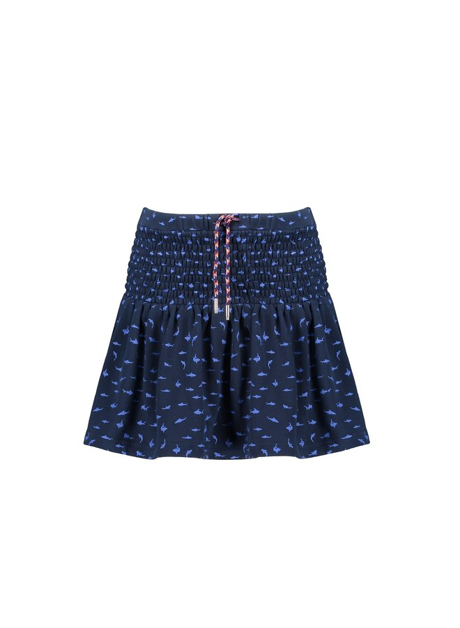 Short skirt with smock at waist+hip in AOP sharks - Navy Blazer