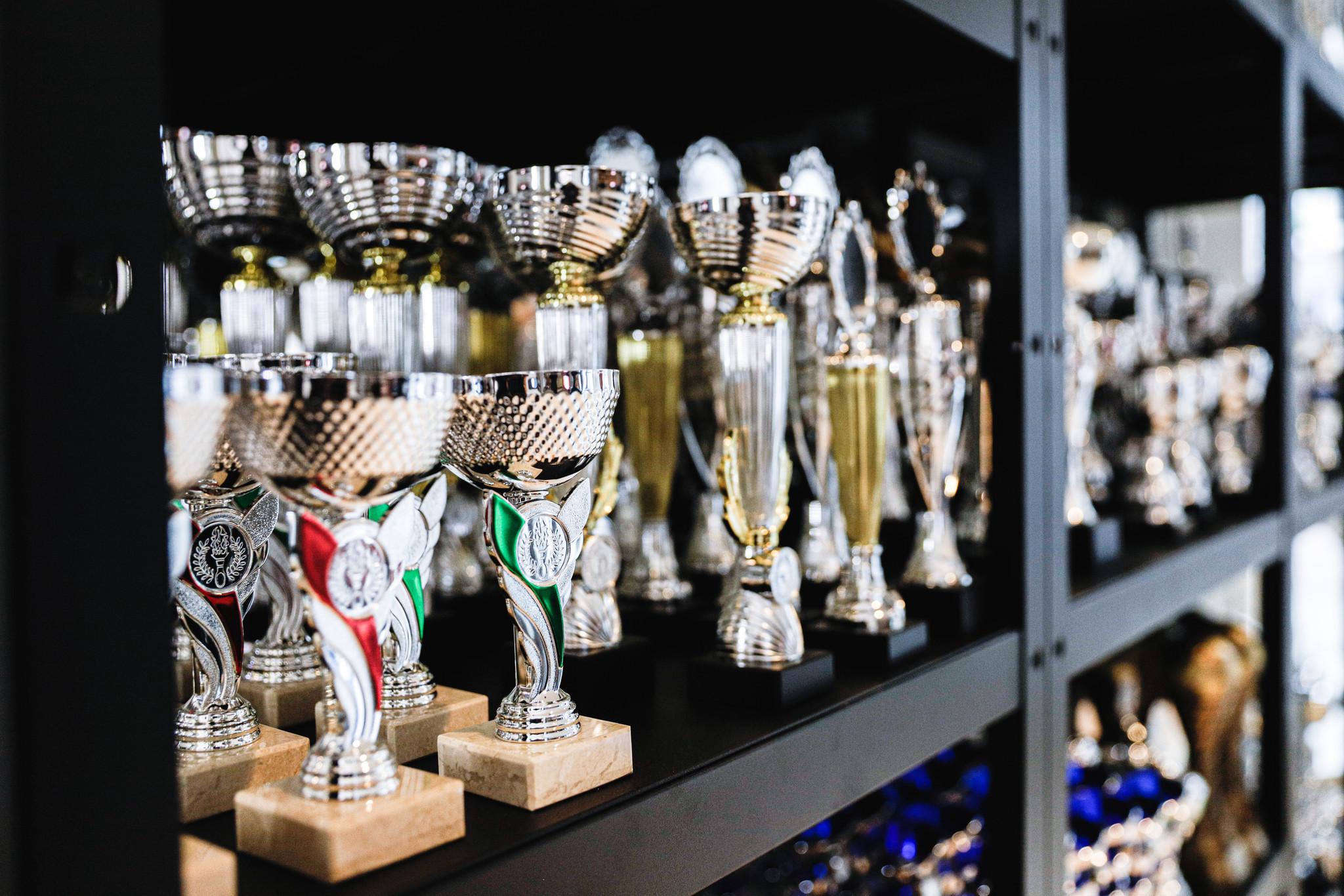 Barney's Darts & Trophies, de nieuwe sportprijzenspecialist van Den Haag!
