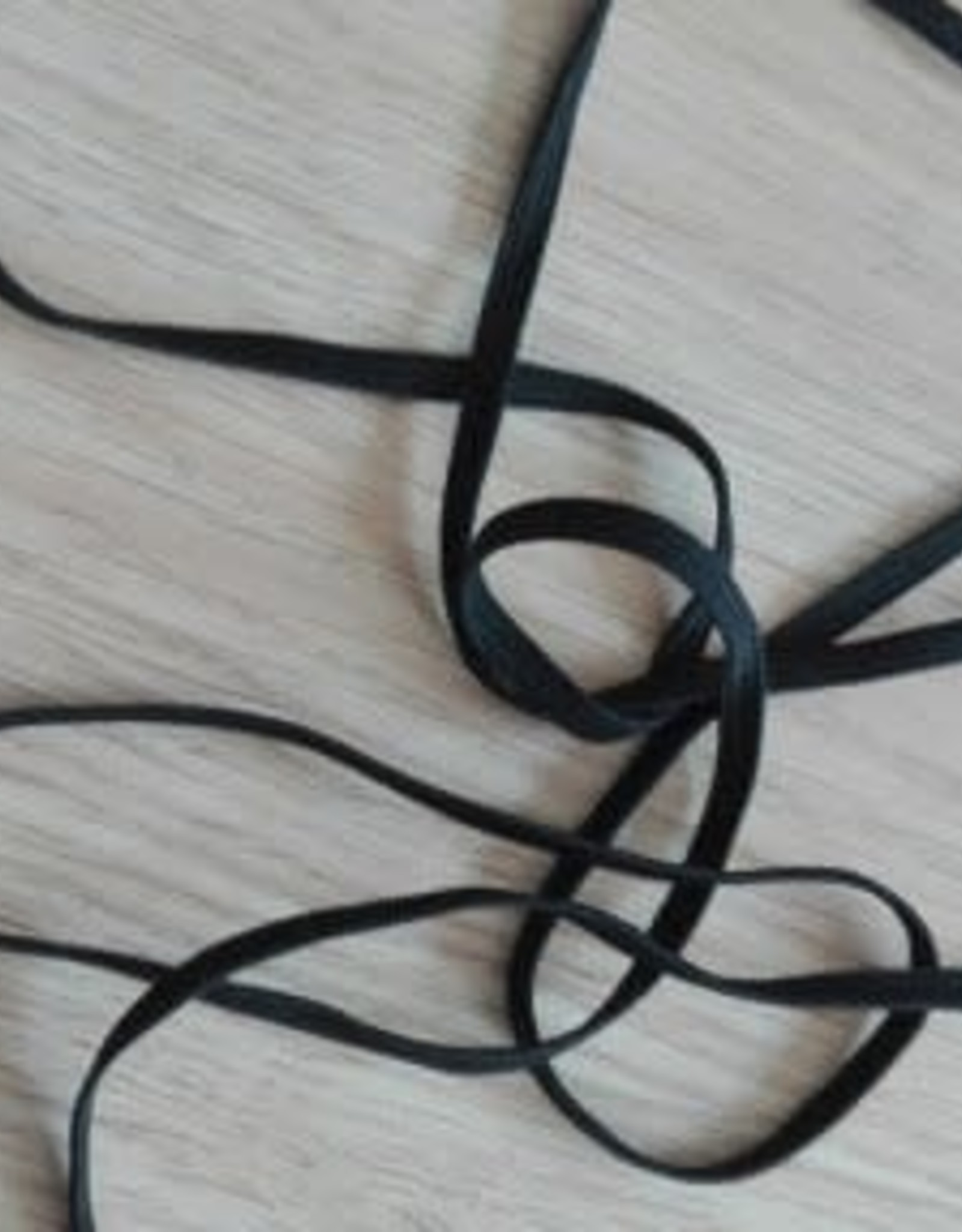 Elastiek 5 mm platte zwarte elastiek (mondmaskers)