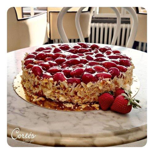 Erdbeer Torte | Ø26cm | Ø18 cm | Stück