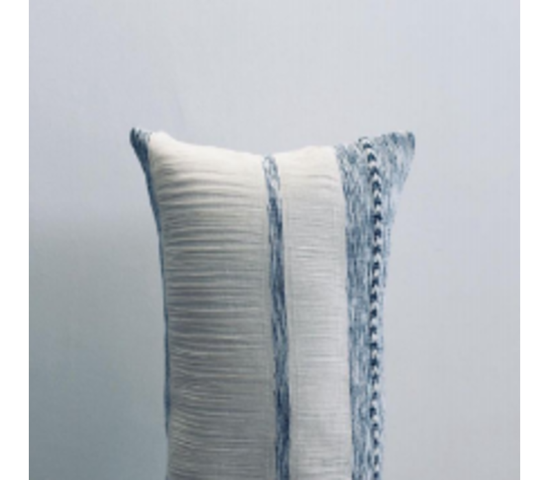 """Cushion """"Cielo"""" Long Vertical Stripes"""
