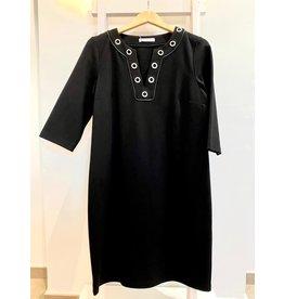 Julie Guerlande zwart kleedje met een detail