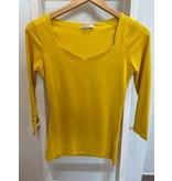 Hailys T-shirt in het rood en geel