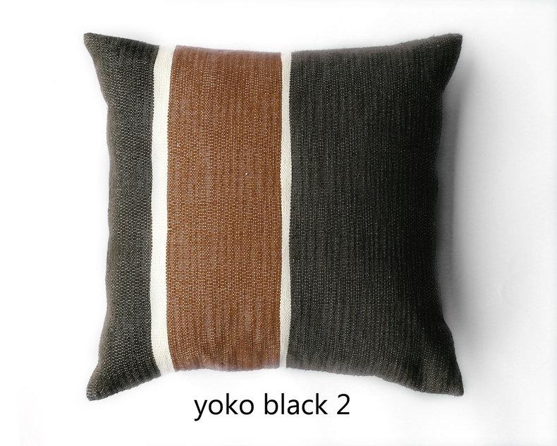 Yoko 2 gestreept kussen