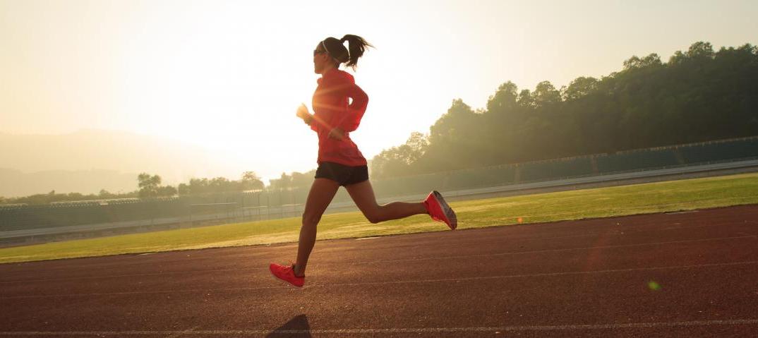 Drie tips om uitgestrekter te hardlopen en je looptechniek te verbeteren