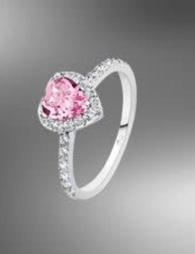 Bague Lotus Silver en argent 925 serti d'un cristal swarovski rose taillé  en forme de coeur