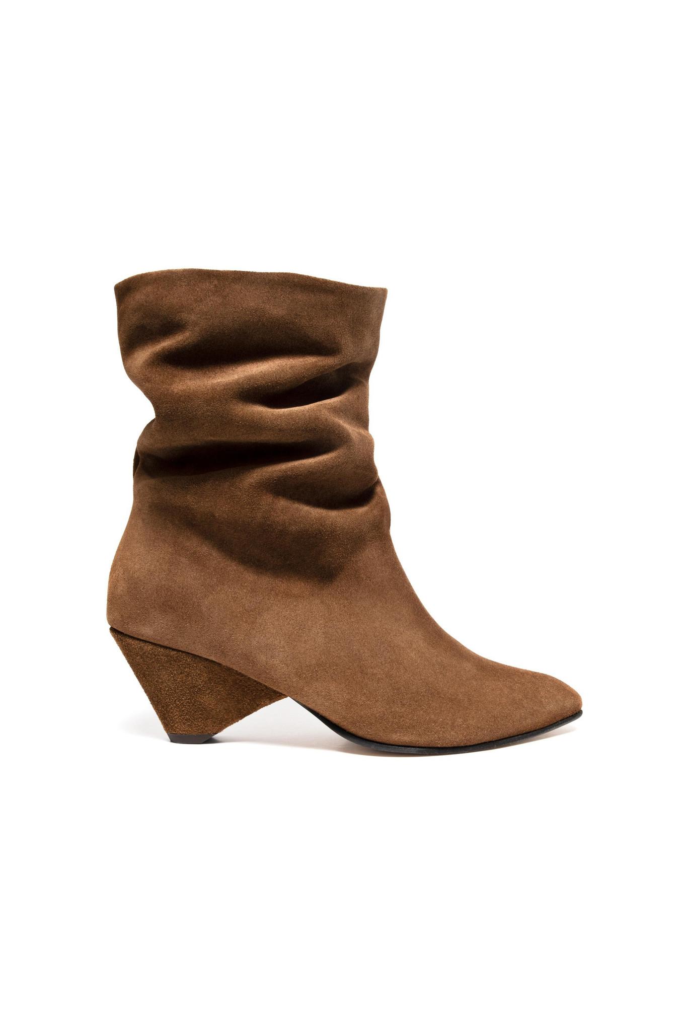 Vully 50 Triangle Calf Suede Boot - Cinnamon-1